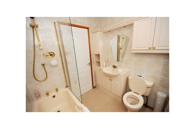 Traditional Bathroom Suite  Bathrooms in Aberdeen  Local Bathrooms Companies in Aberdeen. Elegant Bathrooms Aberdeen. Home Design Ideas