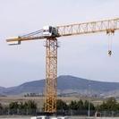 Flat top cranes
